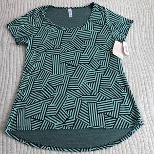 NWT LulaRoe Classic T green pattern Size Small